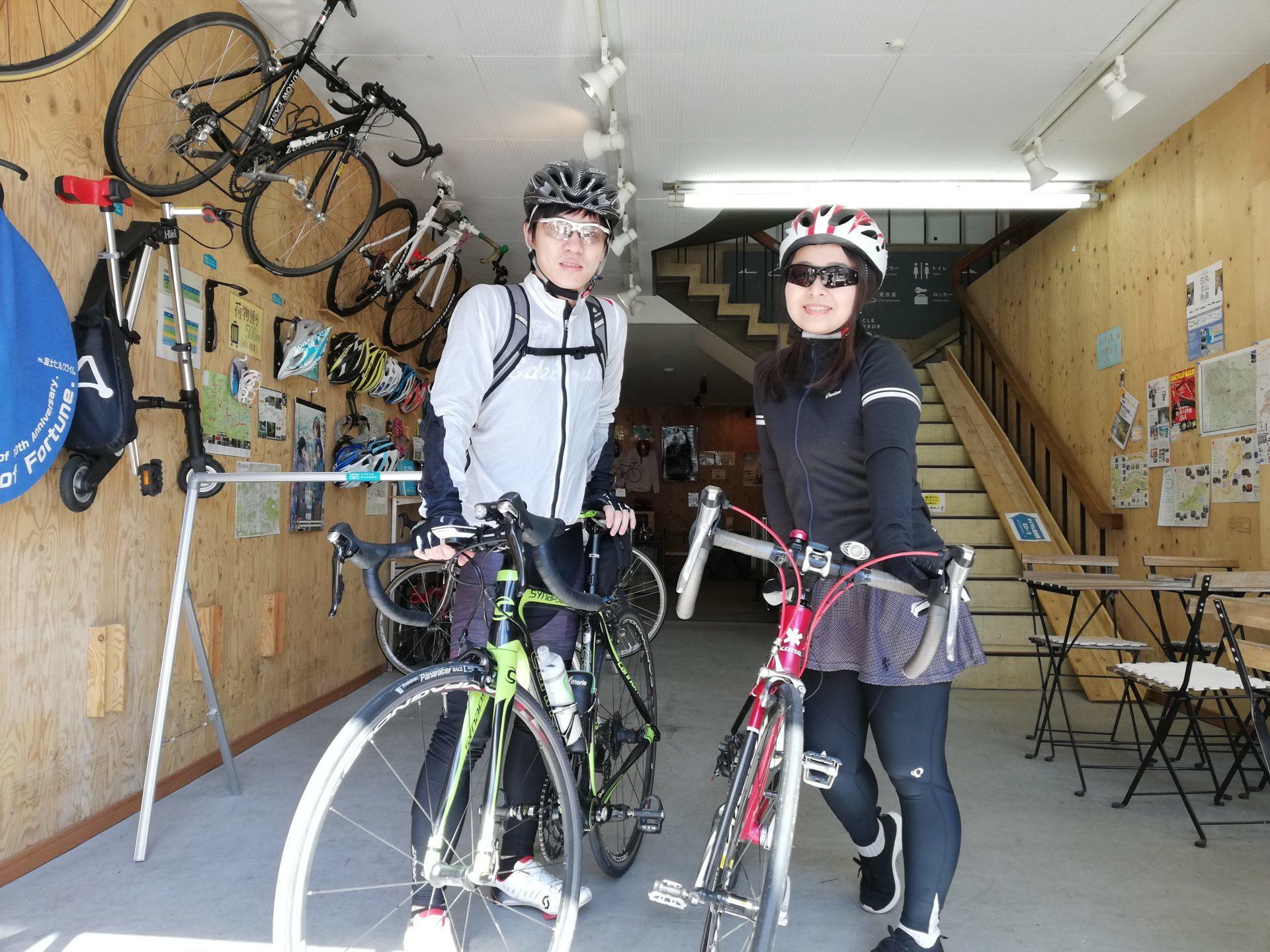 サイクリングに来たカップル