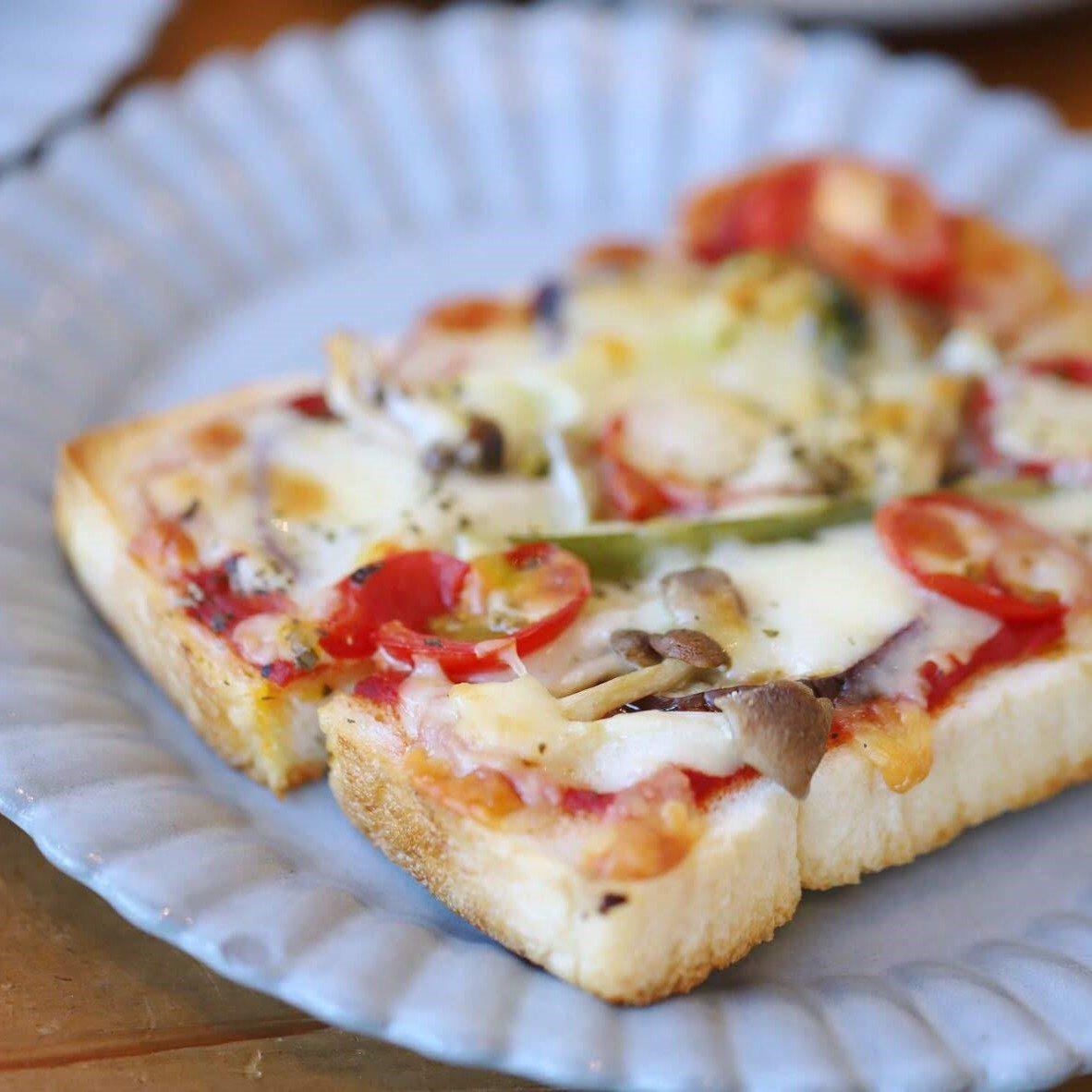 季節野菜のピッツァ