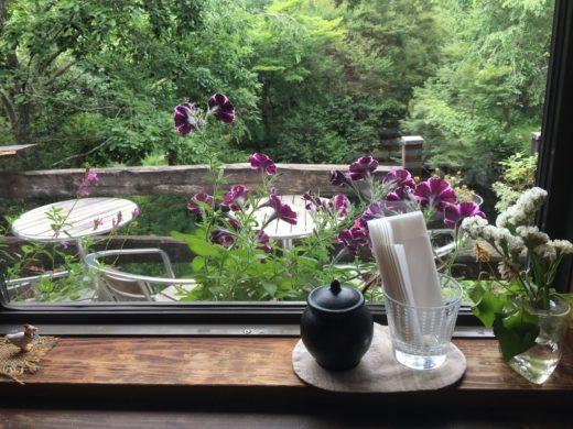自然のすぐ隣で自分時間を楽しむ「CAFE YUBA」