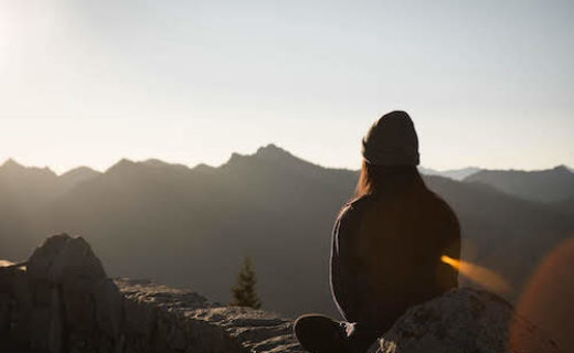 山頂での瞑想