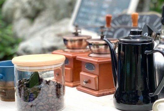 コーヒー豆とポット