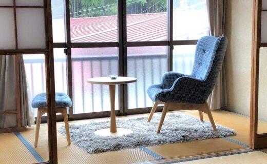 片柳荘の窓辺