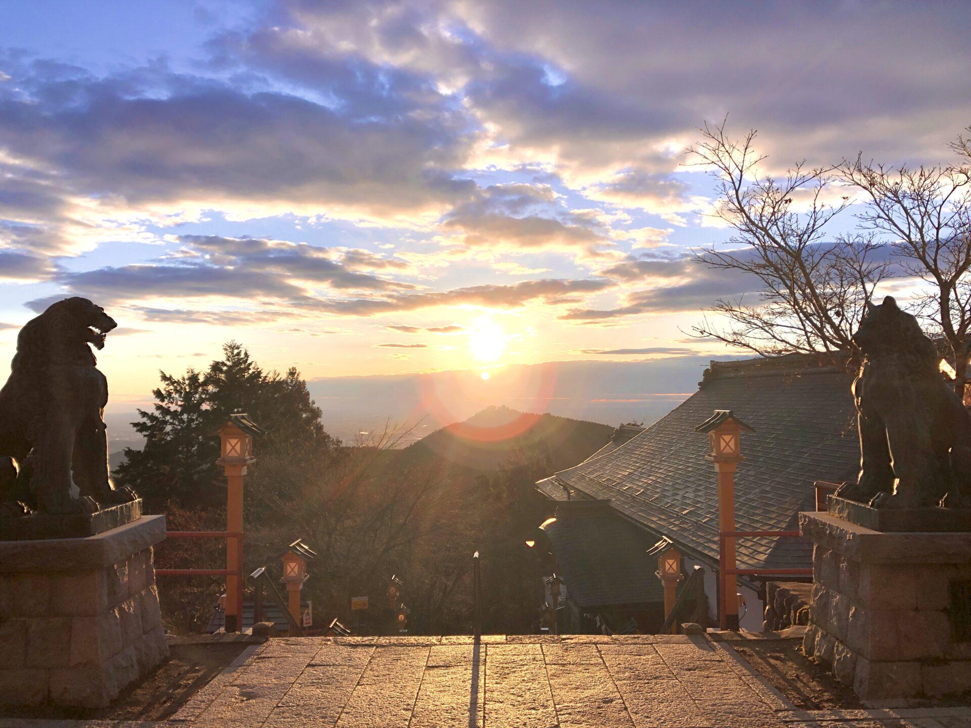 武蔵御嶽神社の日の出