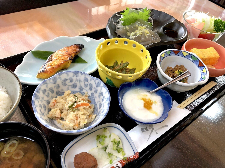 登奈利荘の朝食