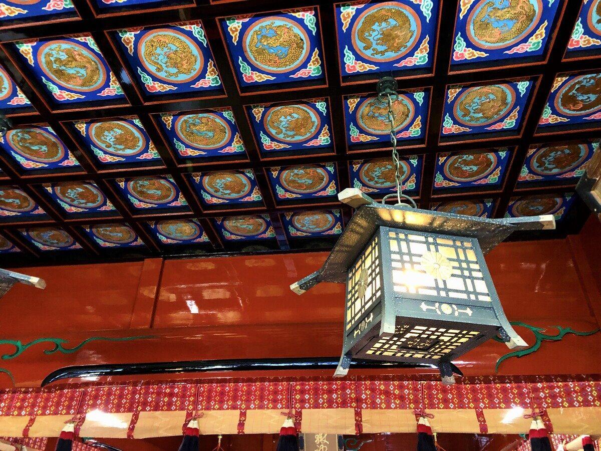 武蔵御嶽神社 拝殿内