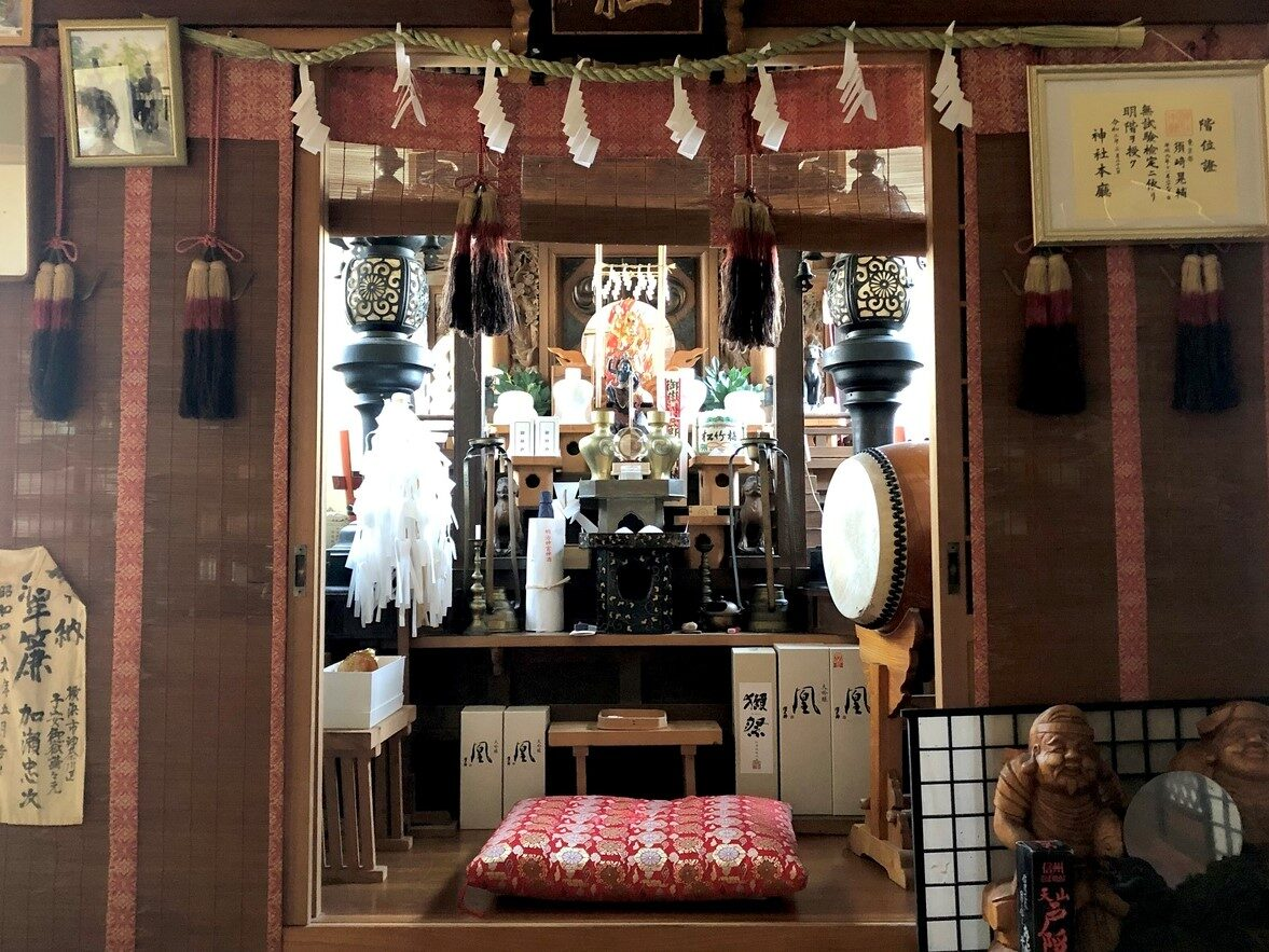 宿坊内の内神殿